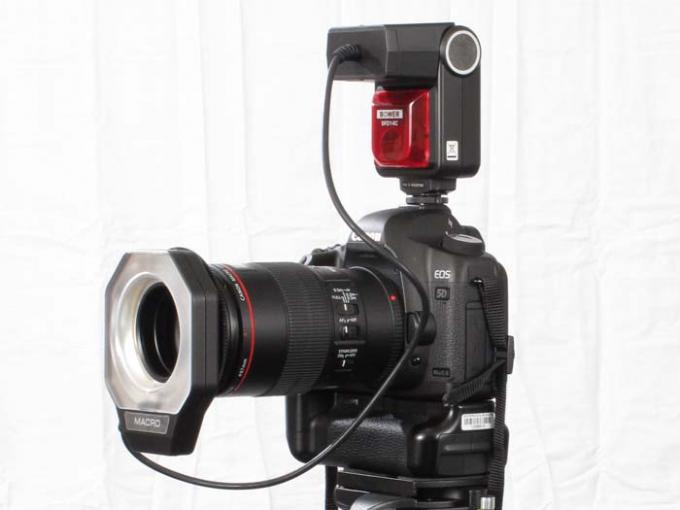 DSLR - Product Shots - External Lighting - Bower SFD14C