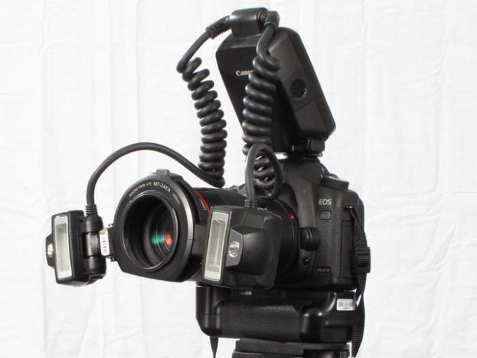 DSLR - Product Shots - External Lighting - Canon 24MT-EX Macro